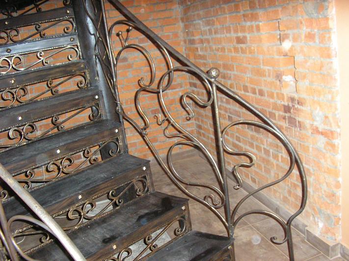Лестница кованная фото